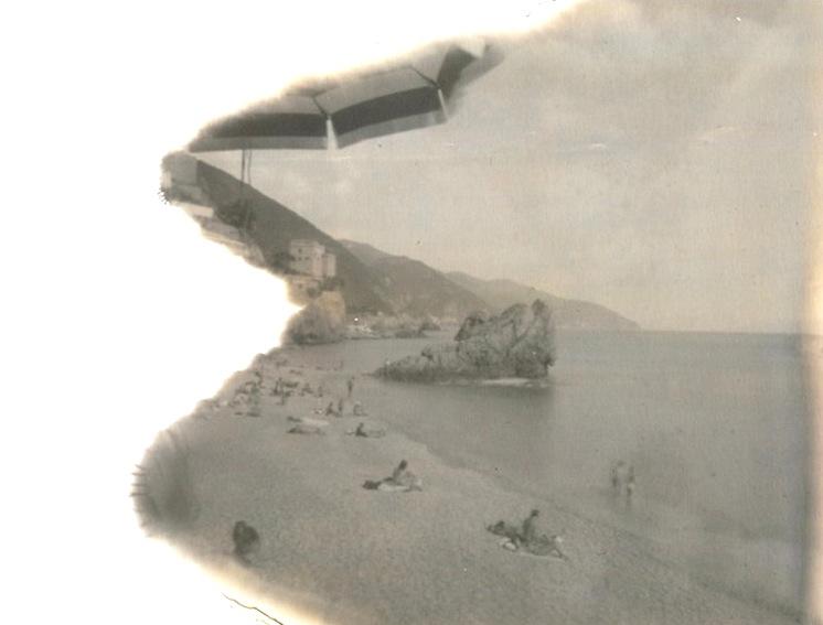 sea like lemonade   (  polaroid 664 exp.  )